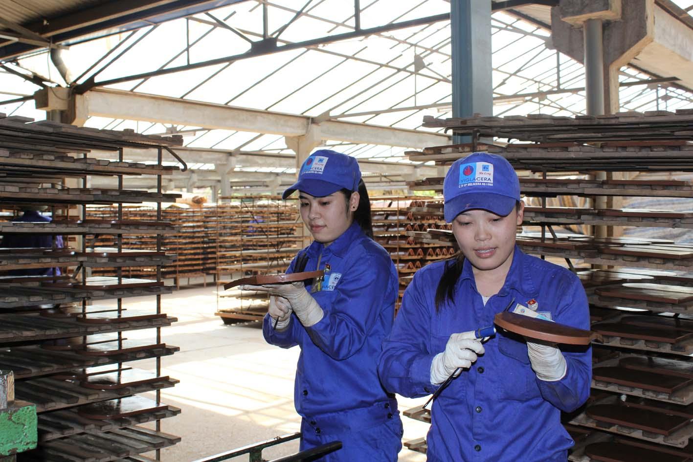 Các doanh nghiệp hiện nay cần cập nhật và quản lý tình hình sử dụng lao động